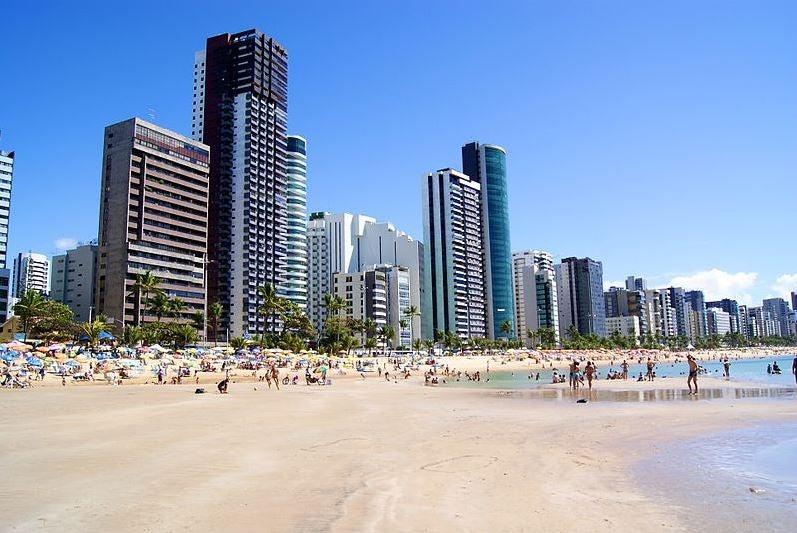 Recife, entre playas y contorno urbano