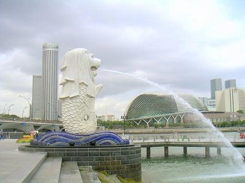 Merlion, el león con cola de sirena  símbolo de Singapur