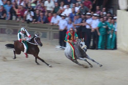 El Palio di Siena, la más legendaria carrera de caballos