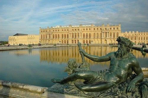 Recorrido por el palacio de Versalles, París