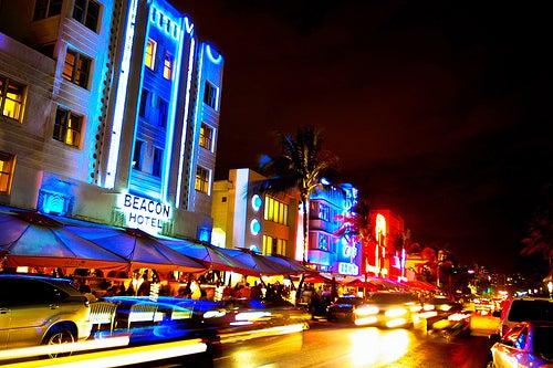 Recorriendo Ocean Drive: La calle del art déco en Miami