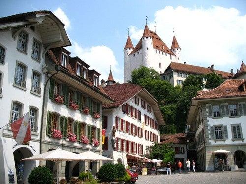 Thun, un pueblo mágico en los Alpes suizos