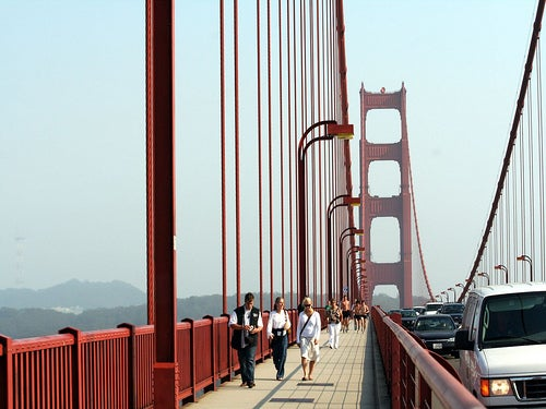 Pasear por el puente de San Francisco