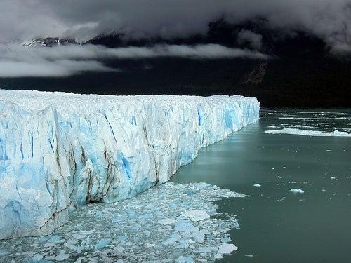 El Glaciar Perito Moreno, un deslumbrante espectáculo de la naturaleza