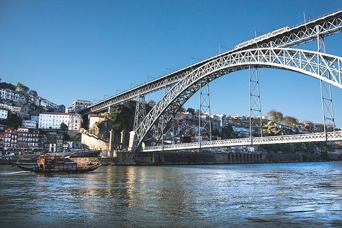 Viajar a Oporto, la elegante ciudad sobre el río Duero