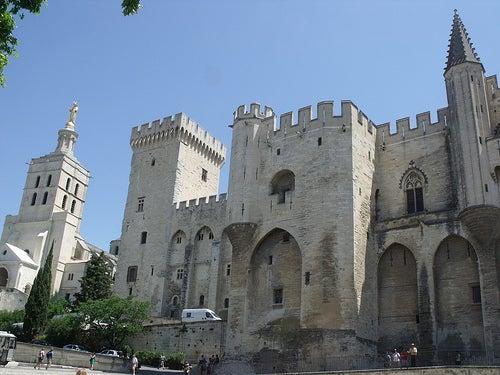 Viaje a Aviñón, Francia: ciudad de grandeza medieval