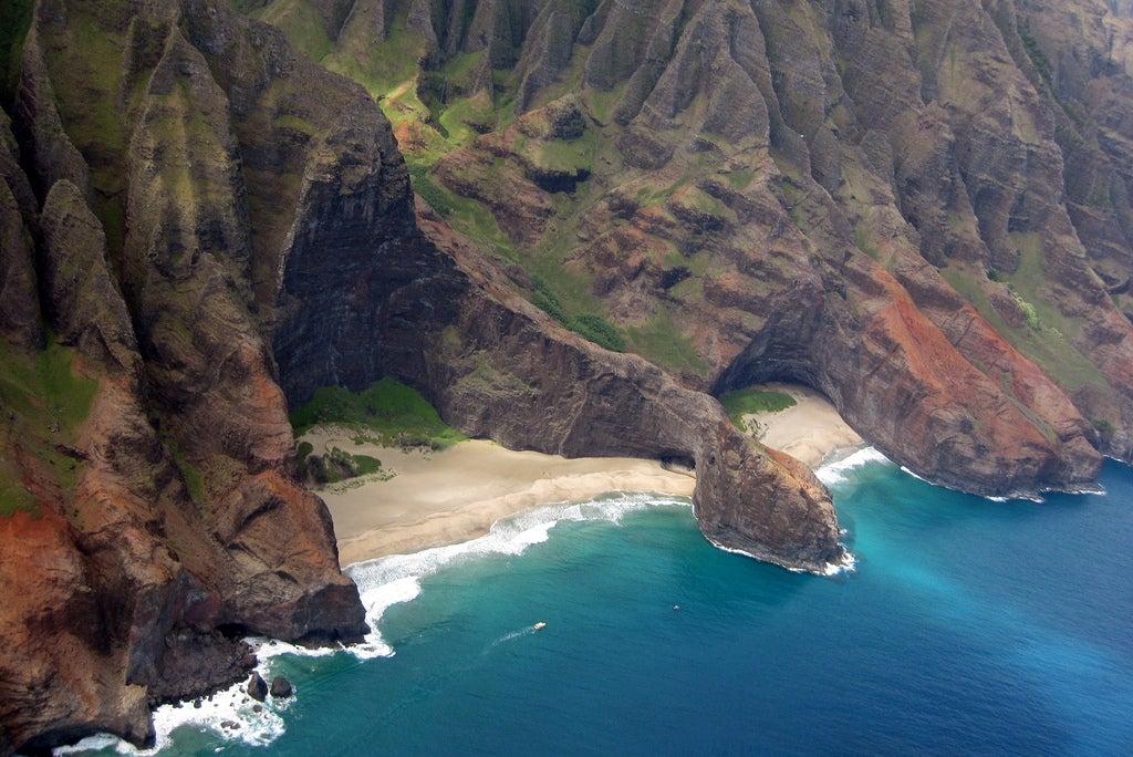 hawai y acantilado