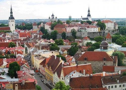 Viaje a Tallin, Estonia: arquitectura colorida y gastronomía suculenta