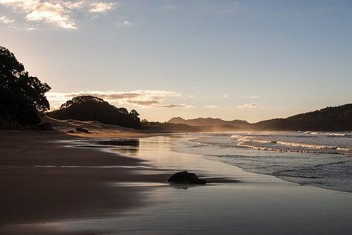 Hot Water Beach en Península de Coromandel, Nueva Zelanda