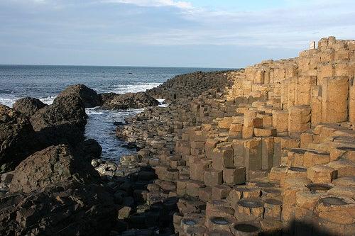 La misteriosa e imponente Calzada del Gigante en Irlanda del Norte