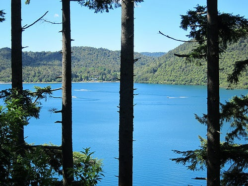 Las aguas del Blue Lake
