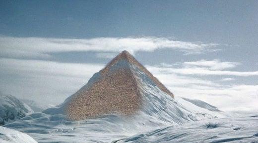 Crucero por la Antártida para visitar... ¿Pirámides?