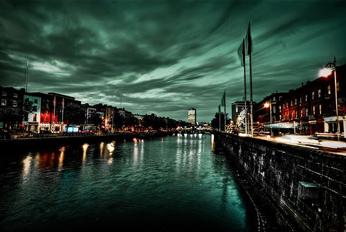 La ciudad de Dublín, donde abundan los pubs y las bibliotecas