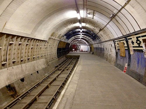 aldwych metro