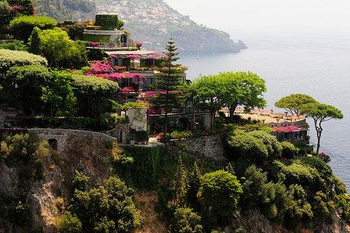 Disfrutar de la belleza napolitana recorriendo la costa Amalfitana