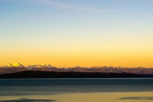 Ecoturismo en las islas flotantes del Lago Titicaca