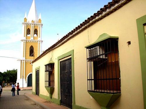 Santa Ana de Coro y su puerto: mezcla venezolana, española y holandesa