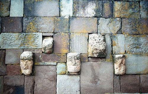 Complejo arqueológico de Tiahunaco, centro de la civilización más antigua de América
