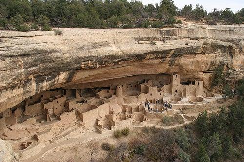 Ruinas bajo el acantilado: Parque Nacional Mesa Verde, Estados Unidos