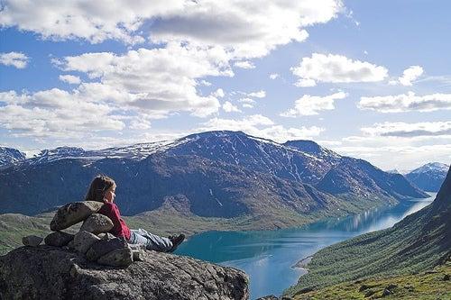 practicar senderismo en Noruega