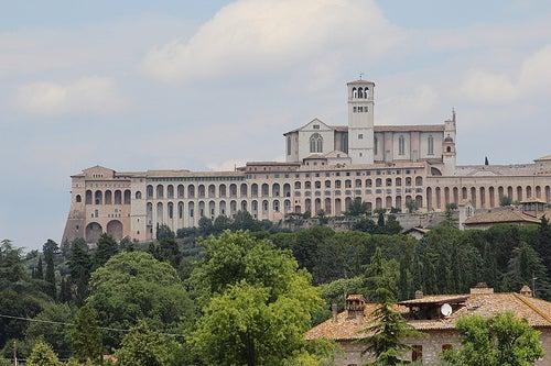 Asís, ciudad de culto, monumental y turística