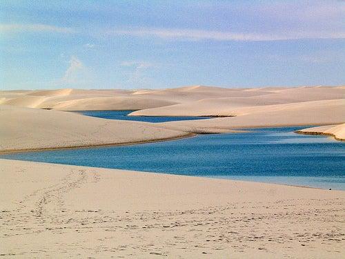 ¿Un desierto que se inunda?: el Parque Lencois Maranhenses en Brasil