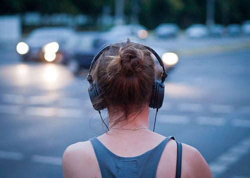 ¿Cuál es la mejor música para escuchar en un viaje?