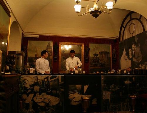 cafe-greco-roma