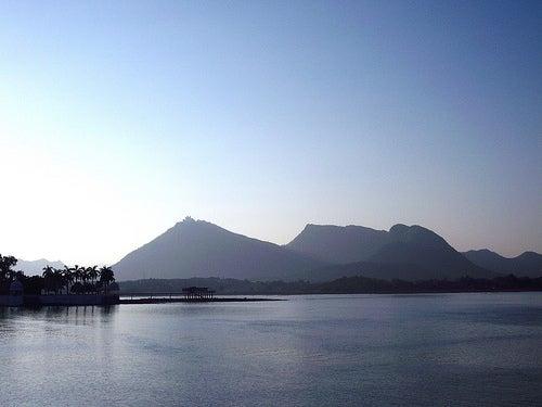 lago-pichola-en-udaipur-india