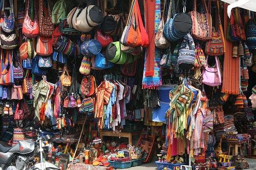 Panajachel-mercado-artesanías