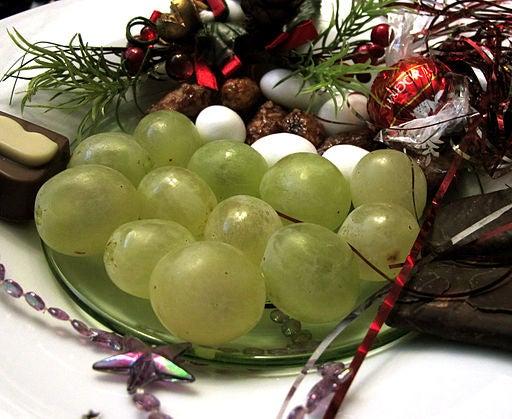 Las uvas deben comerse a las 12 en punto.