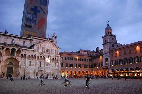 piazza-grande-y-duomo-modena