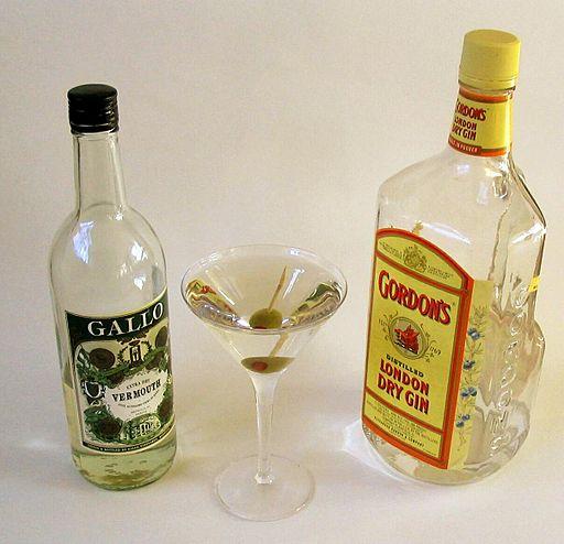 El Gin, como base del famoso Dry Martini.