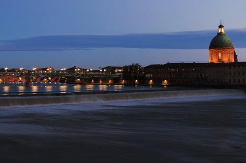 La ciudad de Toulouse, la ciudad francesa de color de rosa