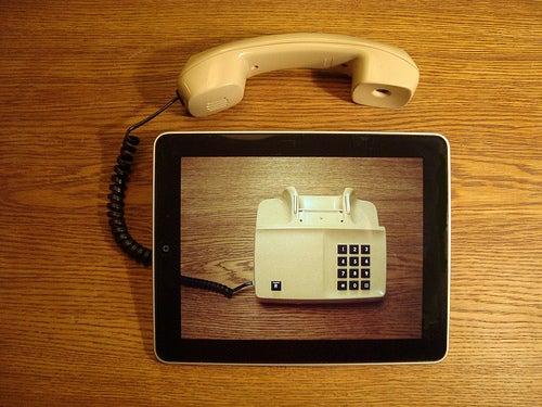 Las nuevas tecnologías facilitan la comunicación.