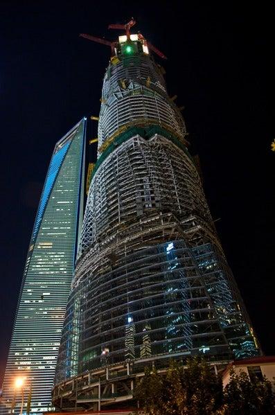 La Torre de Shanghái mide 632 metros.