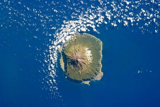 La Isla de Tristán, vista desde el espacio.