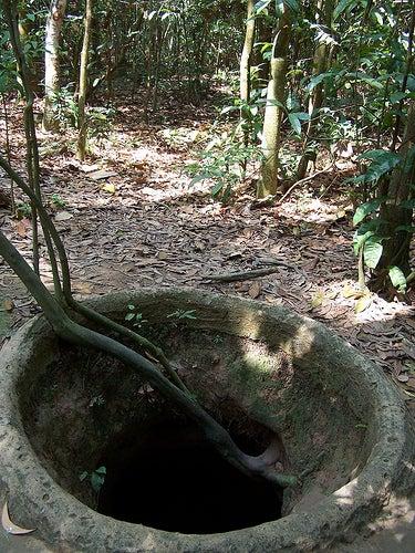 Uno de los túneles Cuchi en Vietnám.