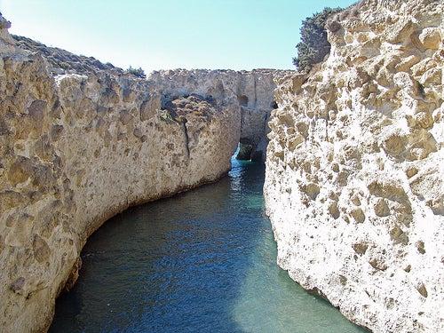 cuevas-papafrangas-milos-grecia