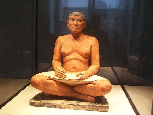 escriba-sentado-museo-del-louvre-paris