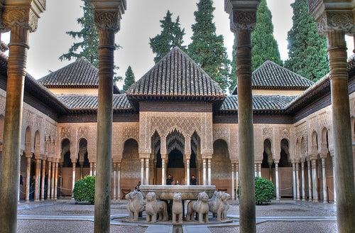 patio-los-leones-alhambra