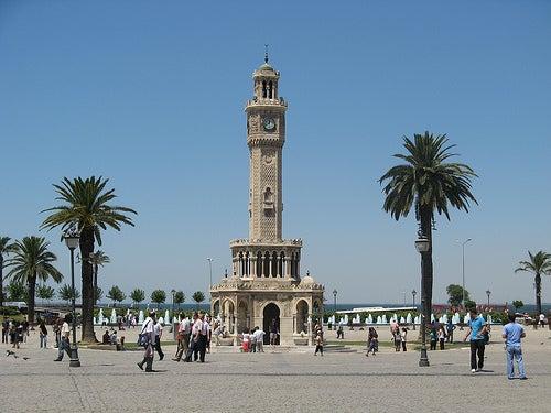 torre-del-reloj-esmirna