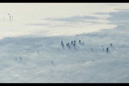 La ciudad envuelta en niebla