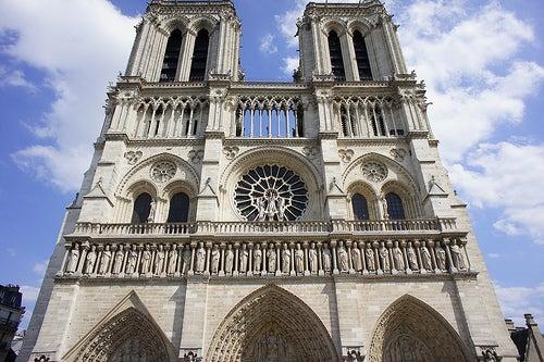 fachada-catedral-de-notre-dame