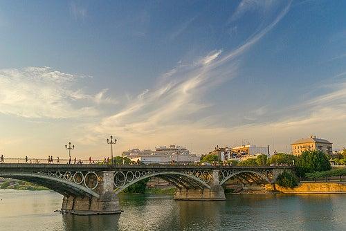 puente-de-triana-sevilla