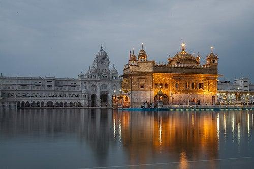 El Templo Dorado de Amritsar, una maravilla hecha de oro