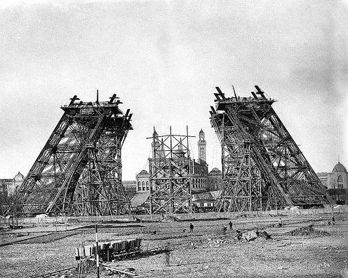 torre-eiffel-en construcción
