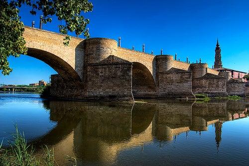 puente-de-piedra-zaragoza