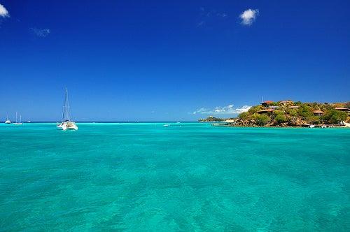 Me voy de vacaciones a una isla privada y desierta