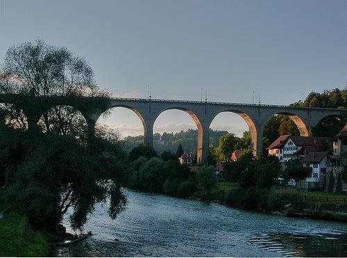 friburgo en suiza puente